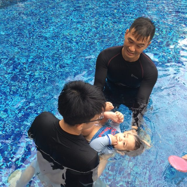 parents children relationship in swimming lesson and Baby swimming the gentle approach is  program that develops a relationship with and honors  step how-to's for parents and teachers of children 6.